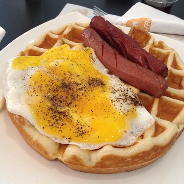 Good morning, Riyadhizens! What are you up to? I'm digging into my plate of waffle from this new all-day breakfast place called... WAFFLE'S. Is that witty or uhmn plain obvious? Hehe. Have a great day! ~ Janelle ‪#brunch‬ ‪#goodvibesriyadh‬ ‪#goodmorningksa‬
