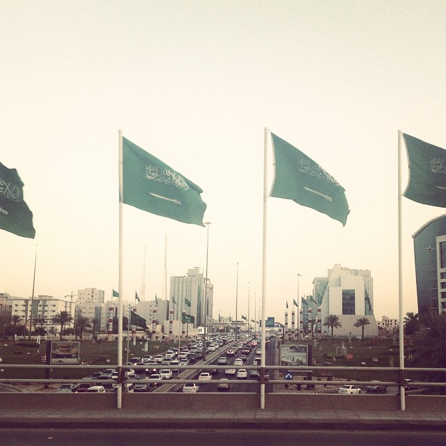 Riyadh, when the traffic was normal. Yup, that's normal. Haha. Good night, Riyadhizens! We'll update again tomorrow. Inshallah. #goodvibesriyadh #riyadh#saudiarabia #thepinktarha ?