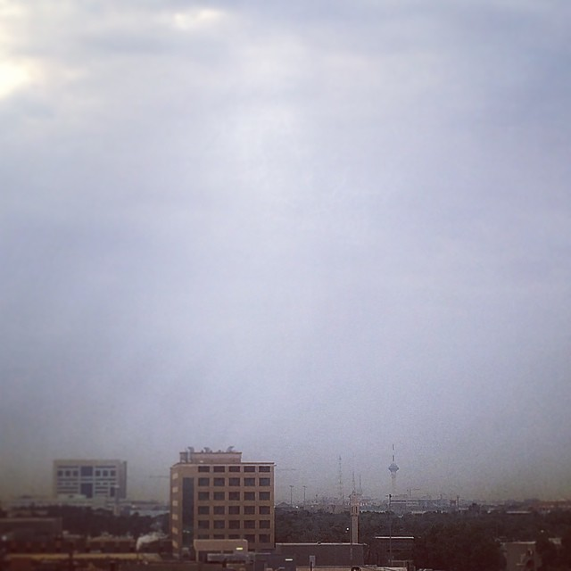 I woke up to a gloomy Monday morning. It looks like the clouds of Jeddah have arrived in Riyadh. ☁️☁️☁️Though the sun may not shine as bright today, make sure you create your own rays of sunshine. ???? ? Rise and shine IGers of Riyadh!?-Reina #weather #cloudy #riyadh #saudiarabia #igersksa #sky #clouds #goodmorning #goodvibesksa