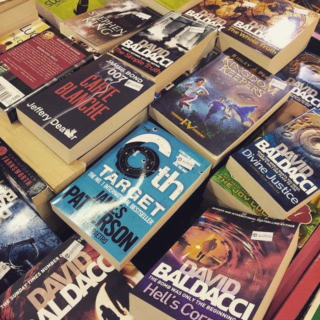 Be still my heart. I love the sight of cheap mystery/thriller/crime books esp. books by David Baldacci, Steve Berry, Michael Connelly, and Harlan Coben. ???? #jarirbookstore #salebooks #novels #thepinktarha ?